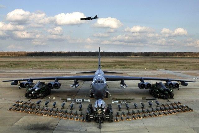 Mỹ điều pháo đài bay B-52 tới HQ đối phó Triều Tiên - 1