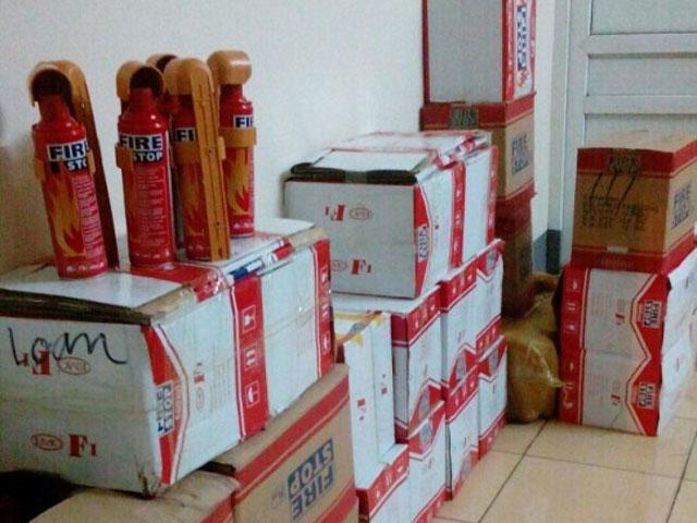 Thu giữ hơn 300 bình cứu hỏa Trung Quốc nhập lậu - 1