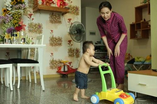 Cuộc sống giản dị của bà mẹ đơn thân xinh đẹp Thanh Trúc - 6