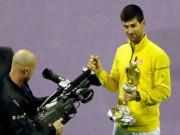 """Thể thao - Fan Việt xếp hàng 4 tiếng """"săn"""" Djokovic, Nadal ở Qatar"""