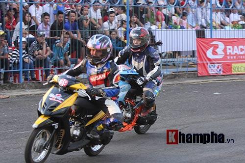 Cô thợ may xinh đẹp giành Á quân giải đua mô tô Việt - 4