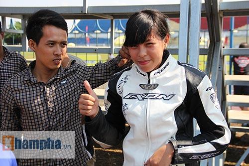 Cô thợ may xinh đẹp giành Á quân giải đua mô tô Việt - 7