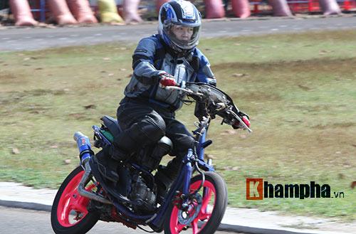 Cô thợ may xinh đẹp giành Á quân giải đua mô tô Việt - 9