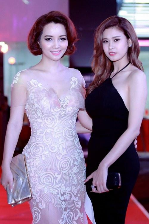 Elly Trần khoe dáng nuột nà sau khi sinh con 2 tháng - 9