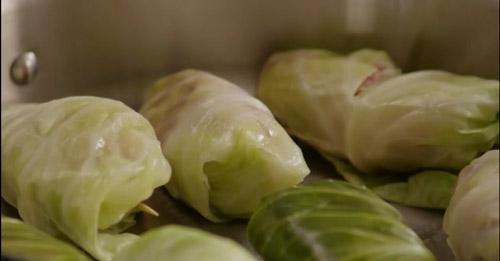 Lạ miệng cơm cuộn bắp cải thơm ngọt - 4