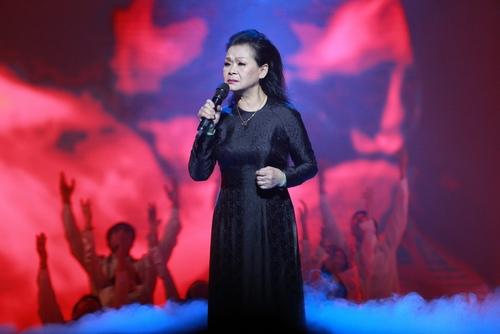 Khánh Ly bị khán giả Hà Nội vây kín sau đêm diễn - 8