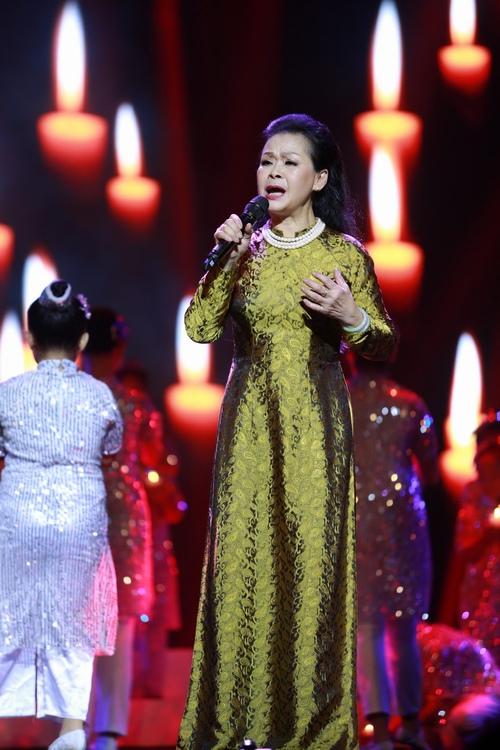 Khánh Ly bị khán giả Hà Nội vây kín sau đêm diễn - 10