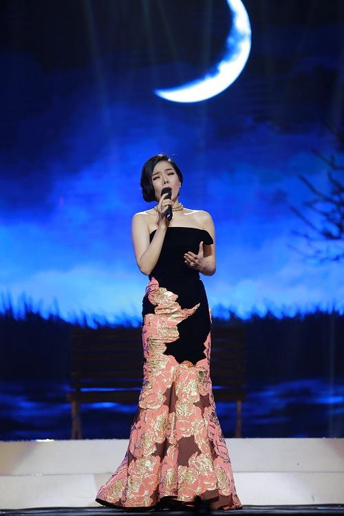 Khánh Ly bị khán giả Hà Nội vây kín sau đêm diễn - 12