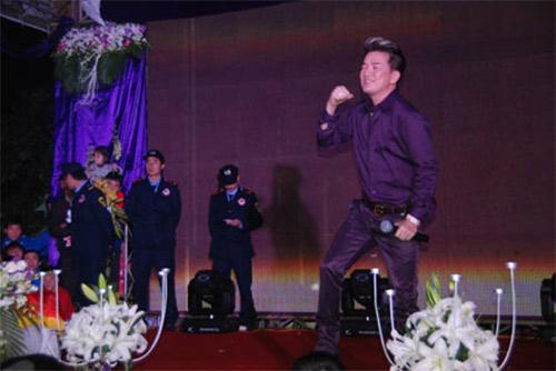Mr Đàm: 'Cát-sê hát đám cưới 15.000 USD là thường' - 2