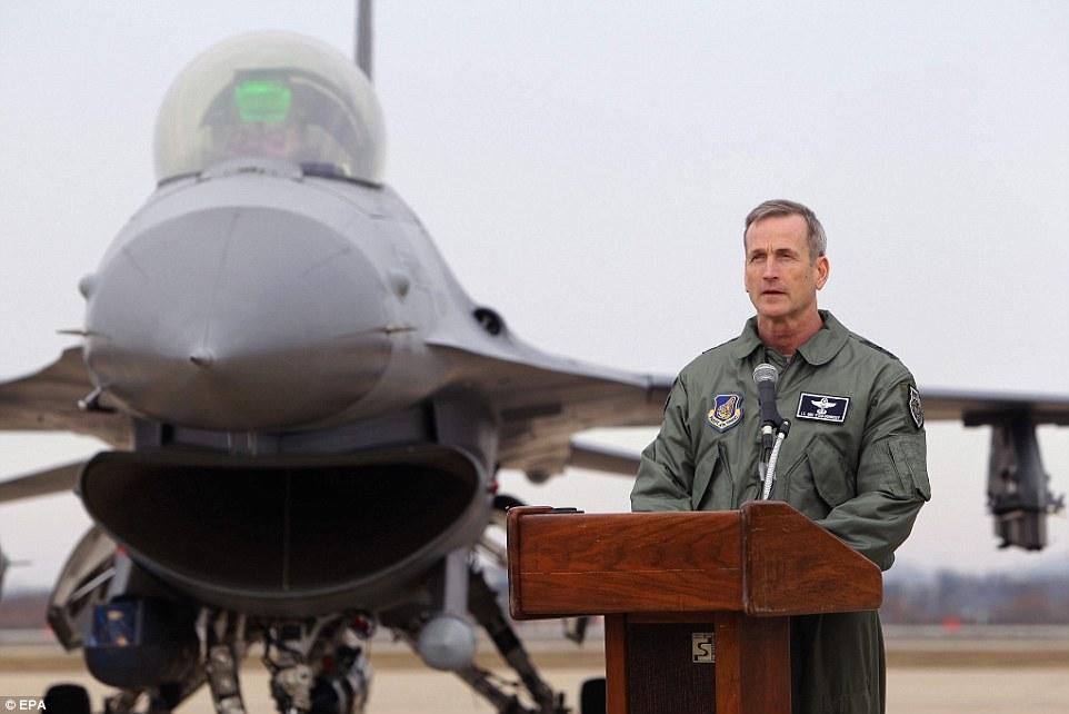"""Xem """"pháo đài bay"""" B-52 Mỹ lượn gần biên giới Triều Tiên - 8"""