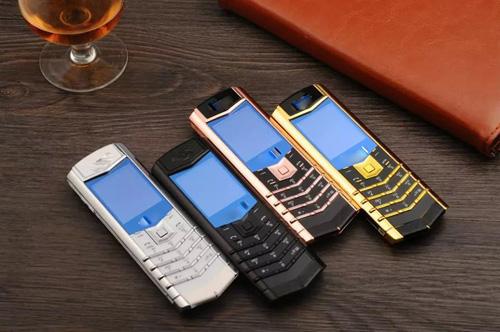 Đua nhau mua điện thoại doanh nhân đẹp sang chỉ với 10 triệu đồng - 2