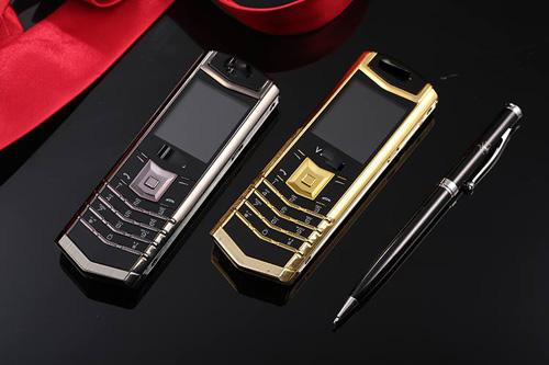 Đua nhau mua điện thoại doanh nhân đẹp sang chỉ với 10 triệu đồng - 4