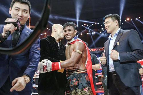 """""""Hoàng tử Muay Thái"""" đả bại cao thủ Trung Quốc - 3"""