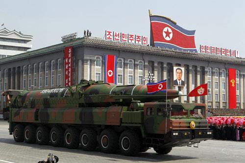 Mặc Mỹ đe dọa, Kim Jong-un muốn có bom mạnh hơn nữa - 2