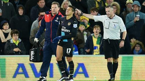 Tin HOT tối 11/1: HLV Wenger ngăn Sanchez tái xuất - 1