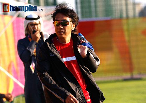 U23 Việt Nam: HLV Miura cười thật tươi với Tuấn Anh - 3