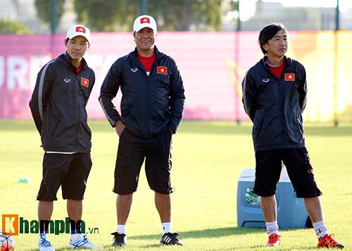 U23 Việt Nam: HLV Miura cười thật tươi với Tuấn Anh - 6