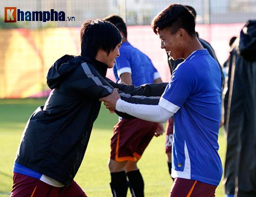 U23 Việt Nam: HLV Miura cười thật tươi với Tuấn Anh - 8