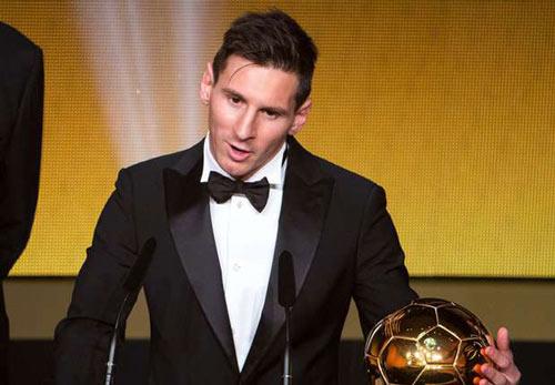 1452544892 lionel messi 2015 ballon dor 1x4n7fffha8551qnjhsvoyc01n 500 Mất QBV vào tay Messi, Ronaldo đặt mục tiêu ghi bàn mới