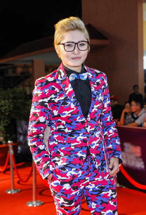 Tóc Tiên gây shock với tạo hình 'nổi loạn' trên thảm đỏ - 13