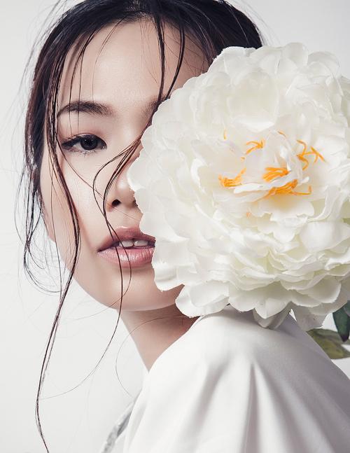 'Kate Moss Việt Nam' e ấp như cánh hoa cuối đông - 4