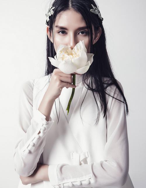 'Kate Moss Việt Nam' e ấp như cánh hoa cuối đông - 2