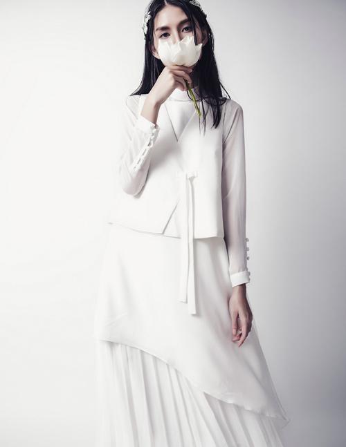'Kate Moss Việt Nam' e ấp như cánh hoa cuối đông - 3