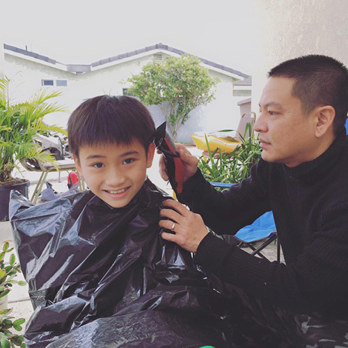 Facebook sao 12/1: Mr Đàm khoe tủ đồ hàng hiệu - 10