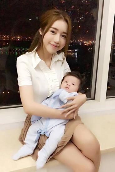 Elly Trần: 'Tôi như bị khủng bố sau khi sinh con lần 2' - 1