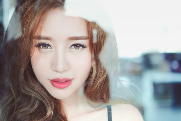 Elly Trần: 'Tôi như bị khủng bố sau khi sinh con lần 2' - 5
