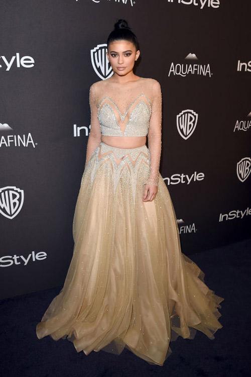 Dàn sao sexy hết cỡ tại tiệc mừng 'Quả cầu vàng 2016' - 15