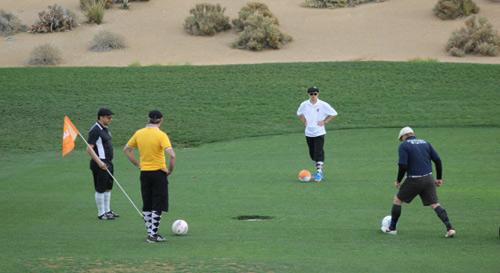 Footgolf: Sự kết hợp hoàn hảo bóng đá và golf - 1