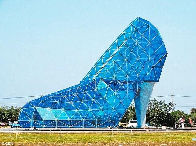Nhà thờ hình giày cao gót kỳ dị ở Đài Loan - 2