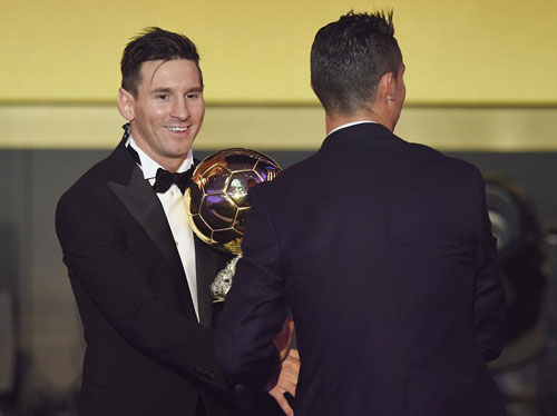 Ronaldo lại thua Messi: Đừng mong đòi lại QBV - 1