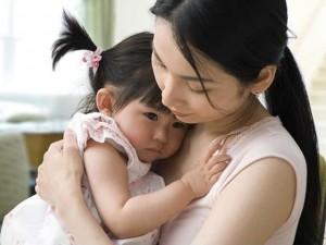 Bạn trẻ - Cuộc sống - Cảm động mẹ kế chăm chồng và 3 con riêng như con đẻ