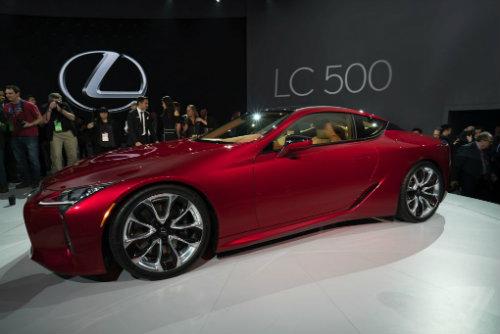 Mẫu coupe sang trọng Lexus LC 500 lộ diện toàn bộ - 1