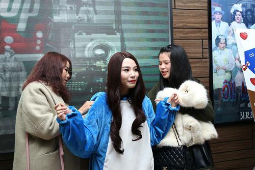 Linh Miu: 'Hãy ôm lấy tôi và trả công 5k mỗi lần ôm' - 5
