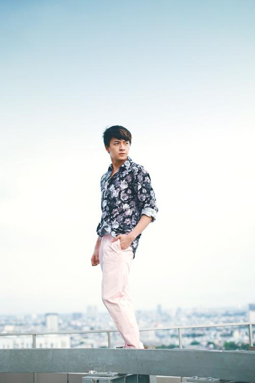Ngô Kiến Huy 'bắt mắt' với gu thời trang phóng khoáng - 10