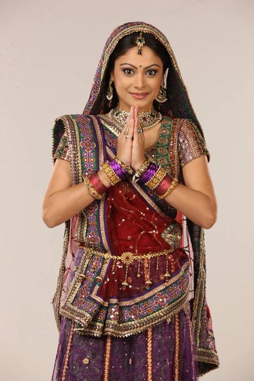Người đẹp thứ ba đóng 'Cô dâu 8 tuổi' Anandi bị chê - 1