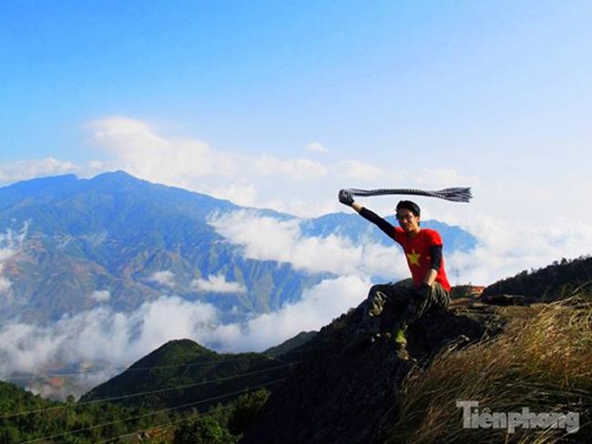 Đối với những bạn trẻ muốn ngắm nhìn biển mây bồng bềnh, cuồn cuộn thì dãy Tà Xùa (ranh giới tự nhiên giữa hai tỉnh Sơn La và Yên Bái) là một điểm đến hấp dẫn, không thể không ghé thăm một lần trong đời.