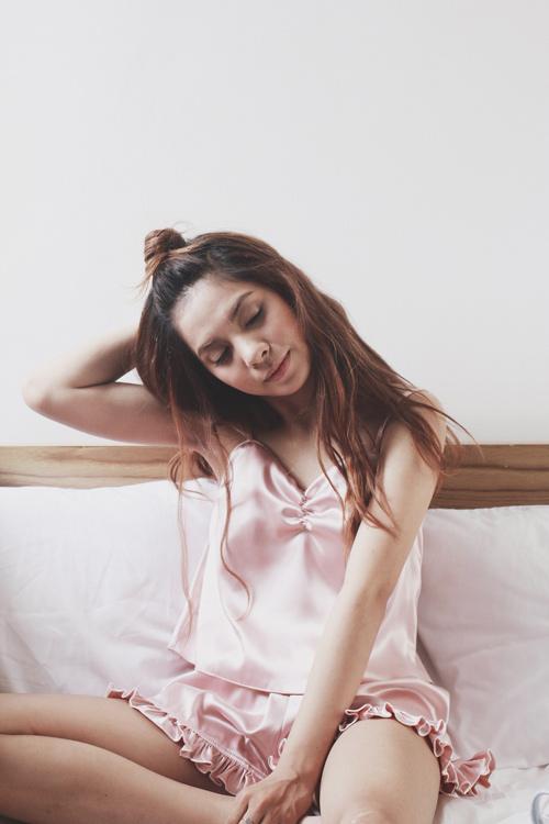 Hot girl trong 'Mơ' của Vũ Cát Tường tung ảnh đồ ngủ - 5