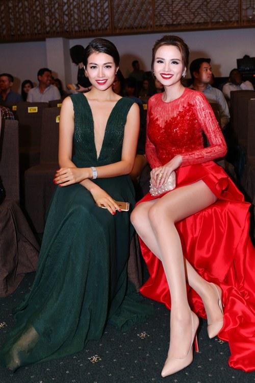Hoa hậu Diễm Hương nổi bật khoe chân dài mướt mắt - 9