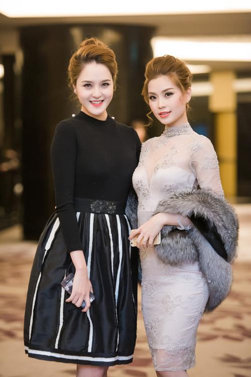 Dàn chân dài Việt 'cực chất' trong show diễn đầu năm - 8