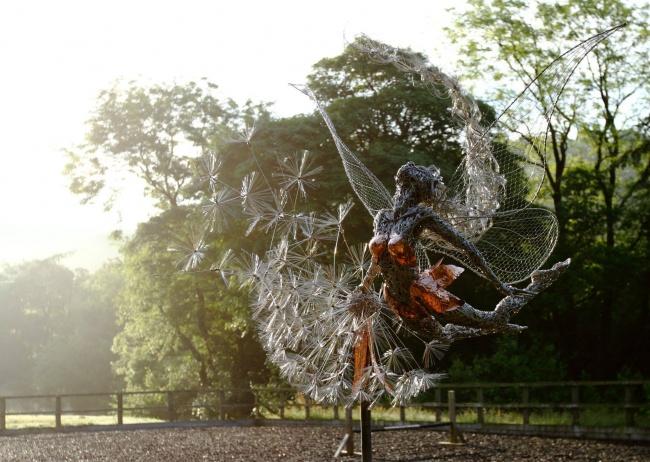 'Tiên nữ' bằng thép làm mê hoặc dân mạng - 4