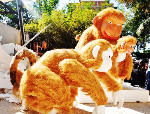 """Bầy khỉ """"khủng"""" sắp xuất hiện ở đường hoa Sài Gòn - 1"""