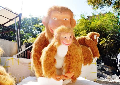 """Bầy khỉ """"khủng"""" sắp xuất hiện ở đường hoa Sài Gòn - 4"""