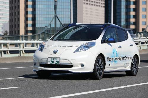 Renault và Nissan liên thủ sản xuất loạt xe tự lái - 1
