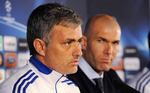 Zidane thất bại, Mourinho sẽ trở lại Real - 1