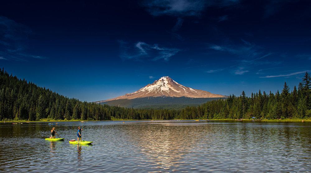 Ảnh: Những vùng hồ đẹp lặng người trên thế giới - 1