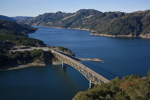 Ảnh: Những vùng hồ đẹp lặng người trên thế giới - 12